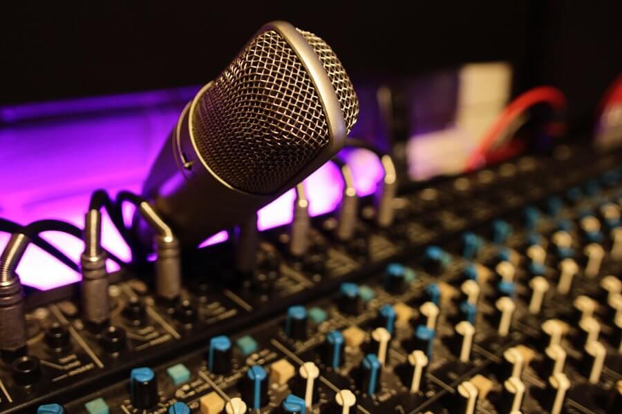 Talkback microphone